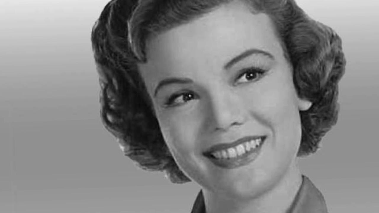 Մահացել է հոլիվուդյան հայտնի դերասանուհի Նանետ Ֆաբրեյը