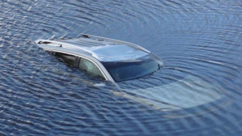 «Mercedes A160» մակնիշի ավտոմեքենան դուրս է եկել ճանապարհի երթևեկելի հատվածից և մասամբ հայտնվել լճում․ 32-ամյա վարորդը մահացել է