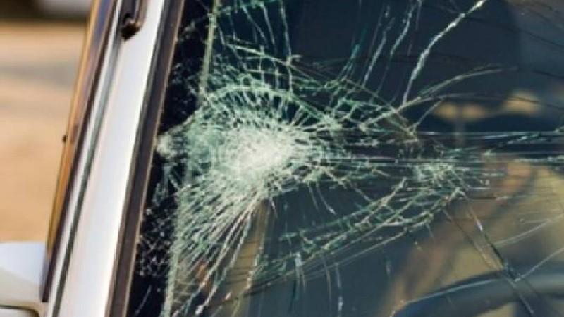 Ադրբեջանական ավտոշարասյան կողքով անցնող արցախցի վարորդի մեքենան կողաշրջվել է