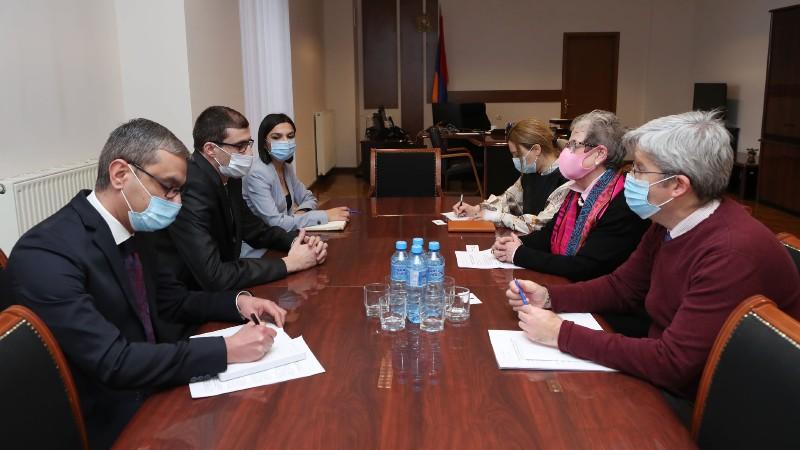 Մեսրոպ Առաքելյանը հանդիպում է ունեցել ԵՄ դեսպան Անդրեա Վիկտորինի հետ