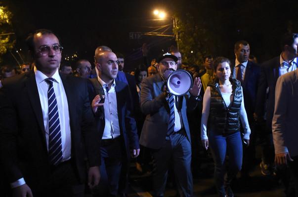 ՀՀԿ, հեռացի՛ր. շարունակվում է բողոքի ակցիան