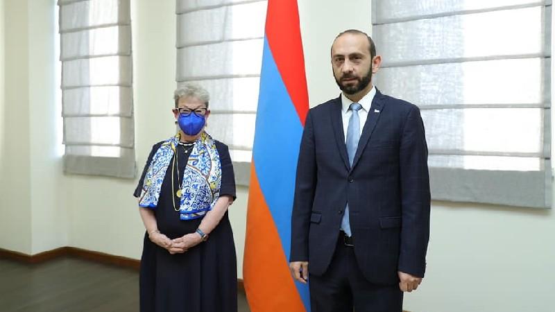 Միրզոյանը ՀՀ-ում ԵՄ պատվիրակության ղեկավարին ներկայացրել է Ադրբեջանի ԶՈՒ-ի սադրիչ գործողությունները