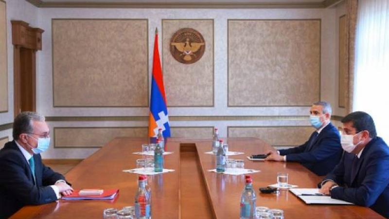 Զոհրաբ Մնացականյանն ԱՀ նախագահի հետ քննարկել է արտաքին քաղաքական մարտահրավերներին վերաբերող հարցերի լայն շրջանակ
