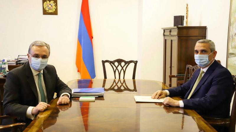 Հայաստանի և Արցախի ԱԳ նախարարները հանդիպել են․ քննարկել է երկկողմ հետաքրքրություն ներկայացնող հարցեր