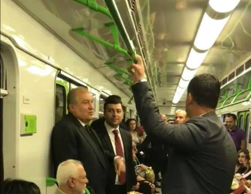 ՀՀ նախագահ Արմեն Սարգսյանը՝ մետրոյում