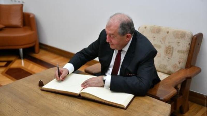 Արմեն Սարգսյանը ստորագրել է Ռազմական դրության ժամանակահատվածում հարկային արտոնություններ սահմանելու վերաբերյալ օրենքներ