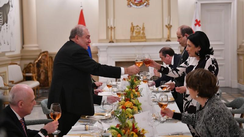 Ի պատիվ Հայաստանի նախագահի Վրաստանի նախագահի նստավայրում տրվել է պաշտոնական ընթրիք