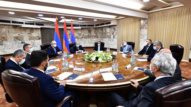 Նիկոլ Փաշինյանի և արտախորհրդարանական քաղաքական ուժերի ղեկավարների մասնակցությամբ տեղի է ունեցել խորհրդակցական ժողովի առաջին նիստը