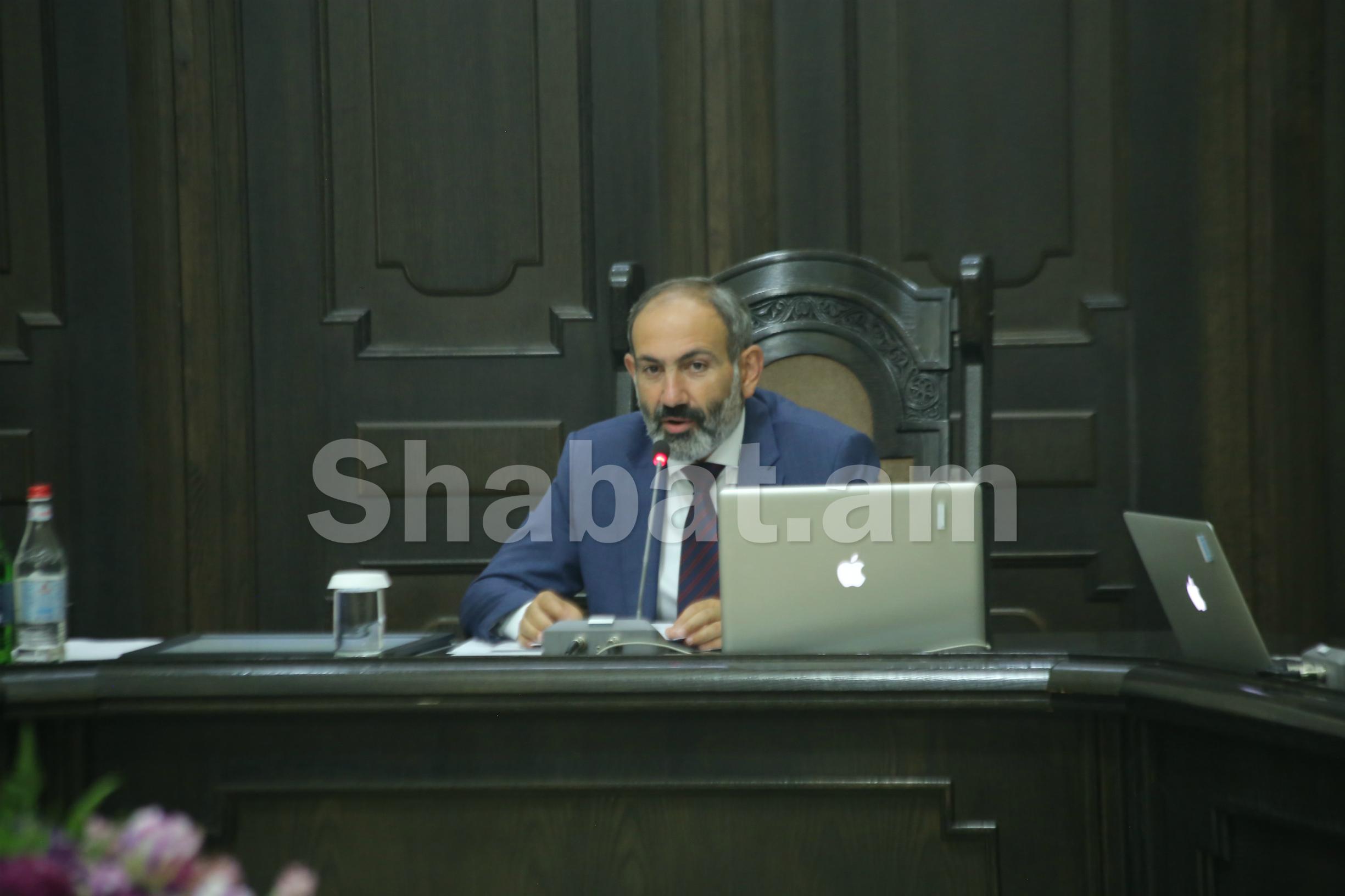 Զարմանալի էր, որ սոցիալական ցանցերը փոթորկող ոչ մի թեմայով ինձ հարց չուղղվեց երեկվա ասուլիսի ընթացքում. վարչապետ