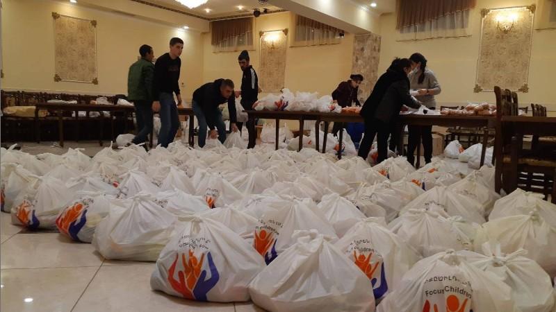 Սննդի փաթեթներ մարզի սահմանամերձ համայնքներում բնակվող արցախցիների համար