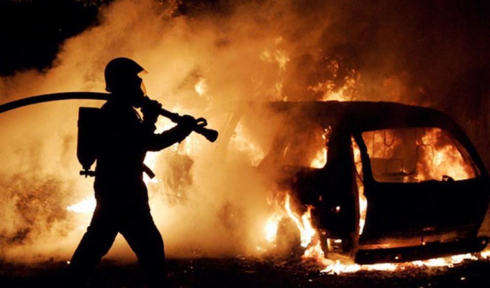 Երեւանում ամբողջությամբ այրվել է Porsche Cayenne-ը, իսկ Mercedes C 180–ն այրվել է մասամբ