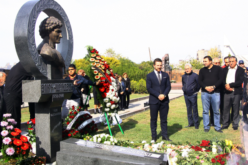 Պանթեոնում տեղադրվել է Յուրի Վարդանյանի մահարձանը