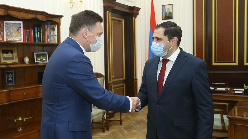 Սուրեն Պապիկյանն ընդունել է ԵԱԶԲ կառավարման խորհրդի նախագահ Նիկոլայ Պոդգուզովին
