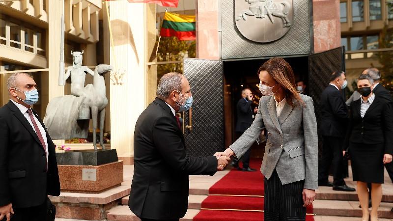 Լիտվան պատրաստ է օժանդակություն ցուցաբերել ՀՀ-ում ժողովրդավարական բարեփոխումներին. Վարչապետը հանդիպել է Սեյմասի նախագահին