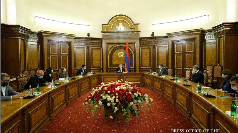 Վարչապետը հանդիպում է ունեցել արտախորհրդարանական քաղաքական ուժերի ներկայացուցիչների հետ