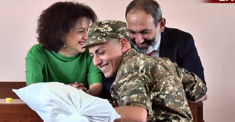 Ի պաշտոնե իրավունք չունեմ իմ որդու մասին ավելի հոգ տանել, քան մյուս զինվորների․ Նիկոլ Փաշինյան