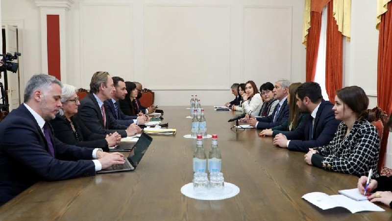 ԱԺ պատգամավորները հանդիպեցին ՀՀ ժամանած ՖԽՎ պատվիրակության անդամների հետ