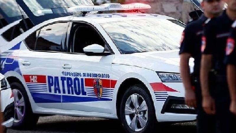 Պարեկայինները հարբած վարորդի մեքենայից ատրճանակ են հայտնաբերել