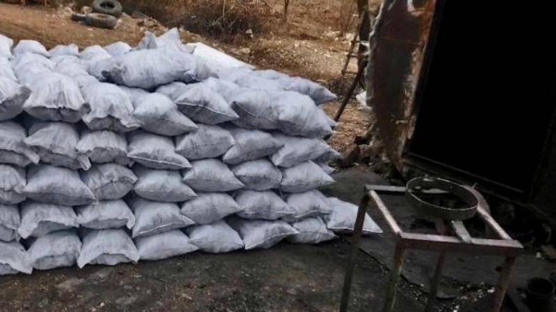 Իջևանի ոստիկաններն առանց փաստաթղթերի աշխատող փայտածուխի արտադրամասեր են հայտնաբերել