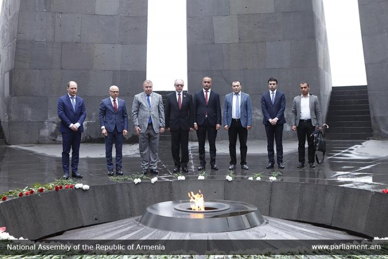 ՌԴ Կարելիայի Հանրապետության Օրենսդրական ժողովի պատվիրակությունն այցելել է Ծիծեռնակաբերդի հուշահամալիր