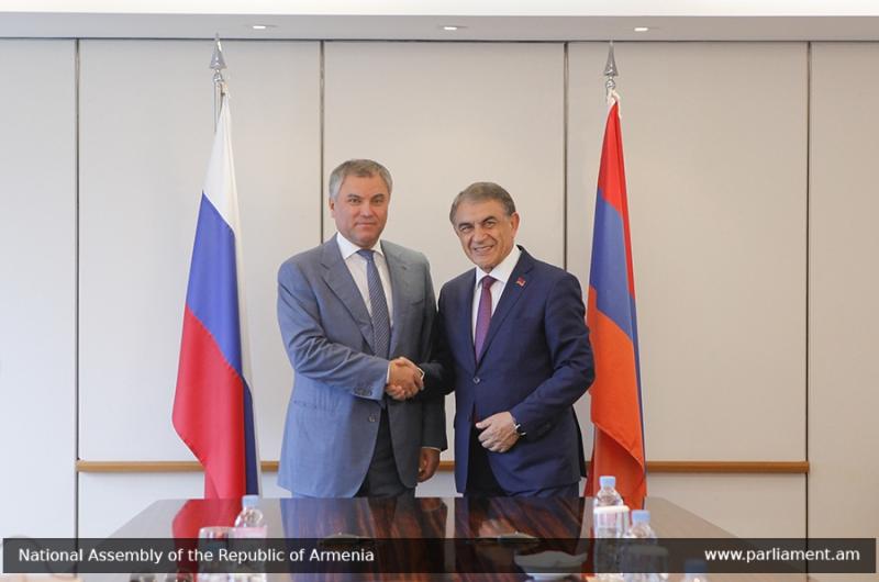 Վոլոդինը Հայաստանին առաջարկել է ռուսերենը դարձնել պաշտոնական լեզու` Ռուսաստանում հայկական վարորդական իրավունքների ճանաչման համար