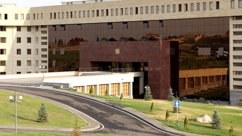 Հուլիսի 10-ին Երասխ-Երևան ավտոմայրուղում տեղի ունեցած ավտովթարից 6 պայմանագրային զինծառայող է հոսպիտալացվել, նրանցից մեկը մահացել է․ՀՀ ՊՆ