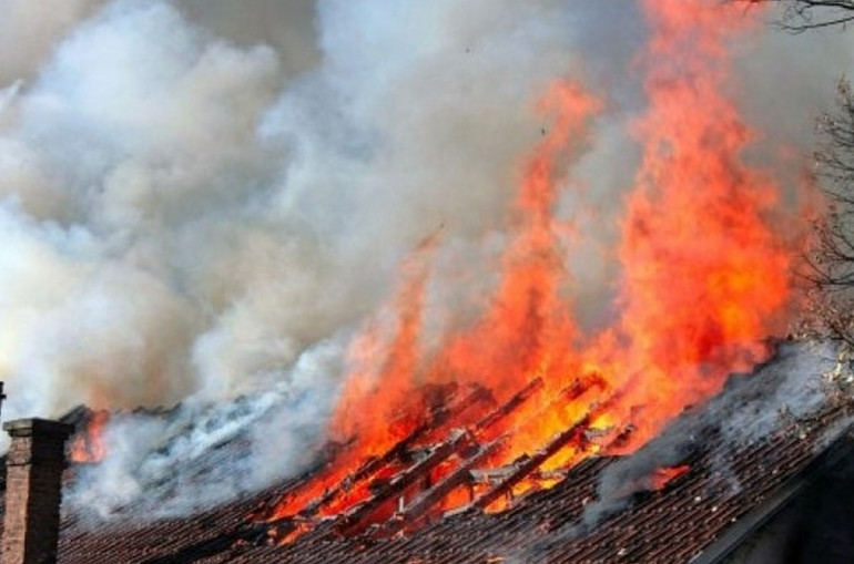 Լոռու Շնող գյուղում ամբողջությամբ այրվել են անասնագոմի տանիքն ու պահեստավորած 120 հակ անասնակեր