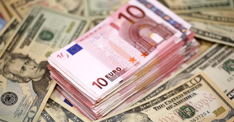Մեկ դոլարը գնվում է 474 դրամ նվազագույն փոխարժեքով, եվրոն՝ 523 դրամով