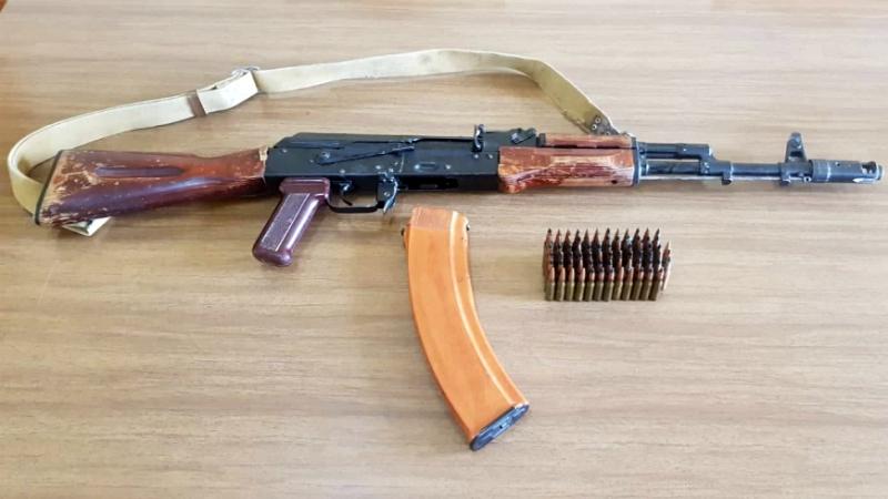 Մուշի բնակիչը իր տանը կից խորհրդանոցում մաքրման աշխատանքներ կատարելիս զենք է հայտնաբերել