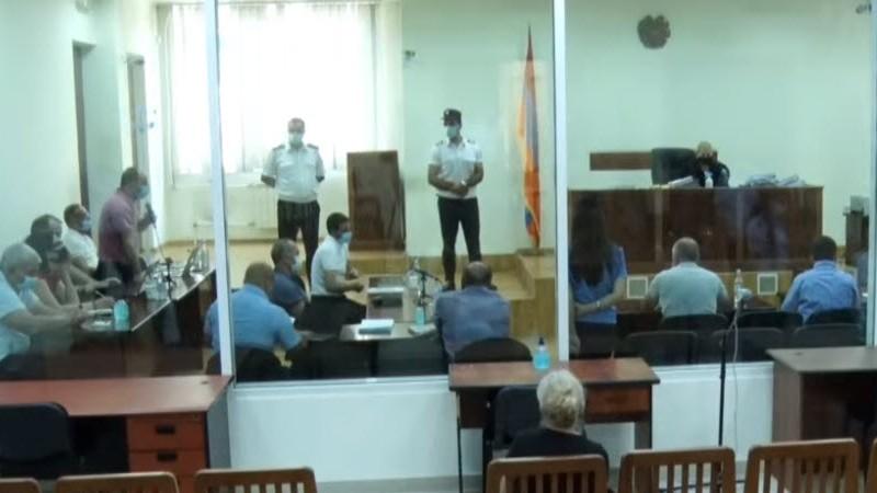 Ընթանում  է Ռոբերտ Քոչարյանի եւ մյուսների գործով դատական նիստը