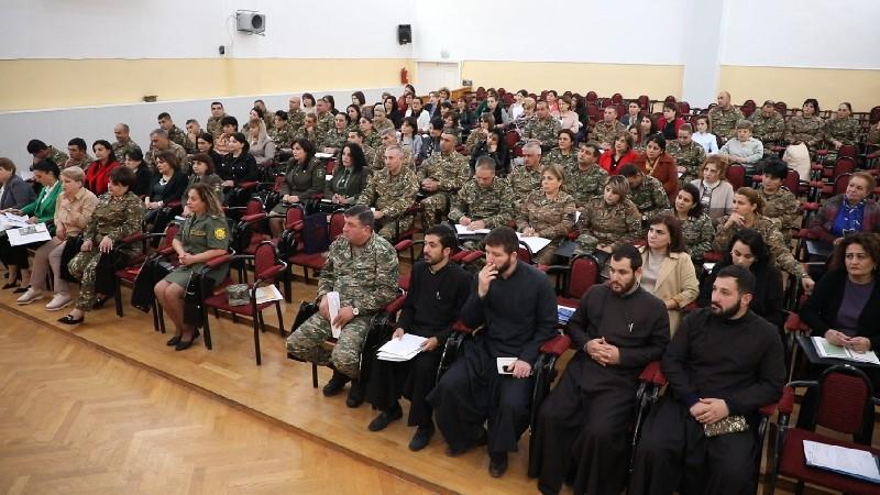 Արցախում քննարկվել են կին զինծառայողների իրավունքների ապահովմանն ու պաշտպանությանն ուղղված մի շարք առաջարկություններ