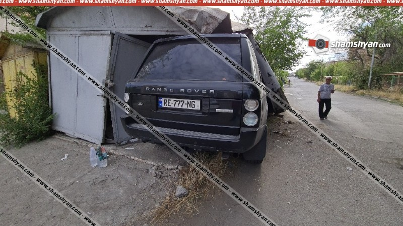 Երևանում 23-ամյա վարորդը մեքենայով մխրճվել է ավտոտնակի մեջ՝ վնասելով ներսում կայանված «Օպել»-ը. կա վիրավոր