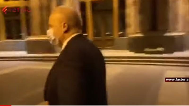 ՌԴ դեսպանը ուշ երեկոյան ՀՀ կառավարության շենքում էր, վարչապետի խոսնակը չմեկնաբանեց, թե ինչ նպատակով. ՏԵՍԱՆՅՈՒԹ
