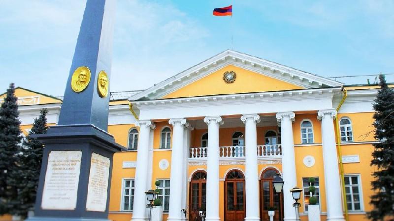 ՌԴ-ում ՀՀ դեսպանությունը քաղաքացիներին հորդորում է հյուպատոսկան ծառայությունների մատուցման գործում չվստահել «միջնորդ» անձանց