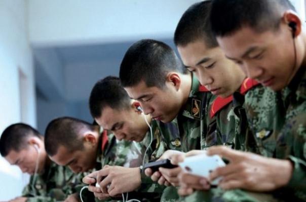 Չինացի զինվորականներին կարգելեն սնունդ պատվիրել և օնլայն հեռարձակումներ անել