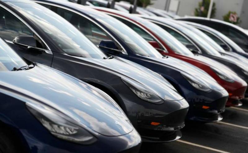 Էլեկրամոբիլներ արտադրող «Տեսլա» ընկերությունը էժանացրել է իր Model 3 էլեկտրամոբիլների գինը