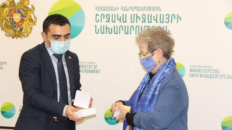 Ռոմանոս Պետրոսյանն ընդունել է ՀՀ-ում ԵՄ պատվիրակության ղեկավար, դեսպան Անդրեա Վիկտորինի գլխավորած պատվիրակությանը