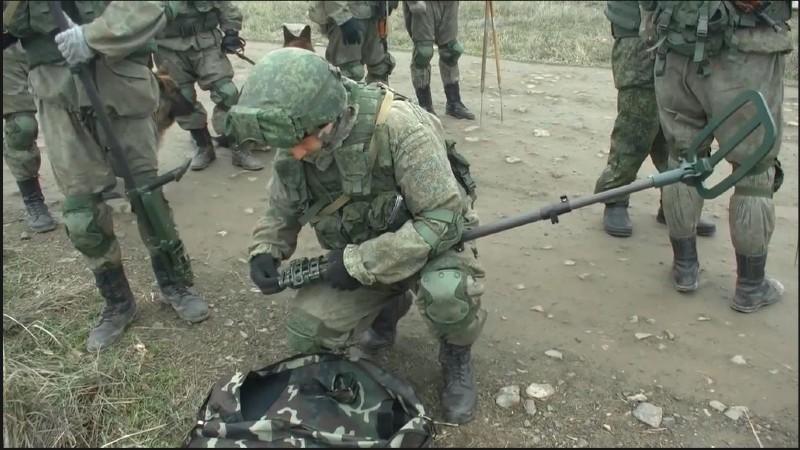 Ռուս ռազմական ինժեներների աշխատանքը Ստեփանակերտի հարավային ծայրամասում (տեսանյութ)