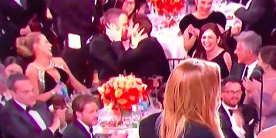 Ռայան Ռեյնոլդսն ու Էնդրյու Գարֆիլդը համբուրվել են «Ոսկե գլոբուս»-ի մրցանակաբաշխությանը (վիդեո)