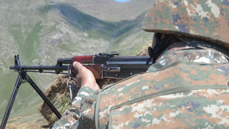 Հակառակորդը կրկին կրակ է բացել հայկական դիրքերի ուղղութամբ, մեկ զինծառայող վիրավորվել է. ՊՆ