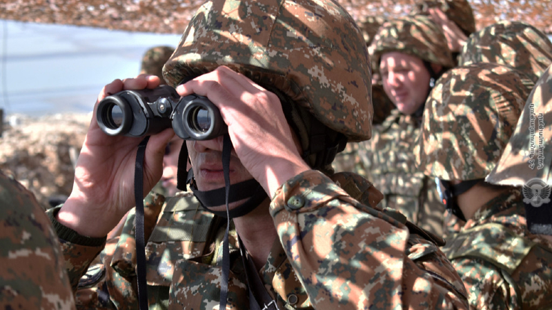 Քացաքացիական հագուստով 8-10 ադրբեջանցիներ խախտել են շփման գիծը, անցնելով միջդիրքային տարածք. ՀՀ ՊՆ