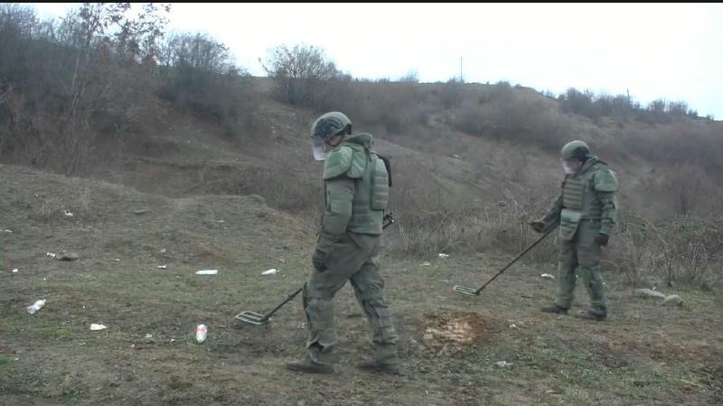 Ստեփանակերտի հյուսիսային ծայրամասերում ռուս սակրավորները իրականացնում են ականազերծման աշխատանքներ (տեսանյութ)