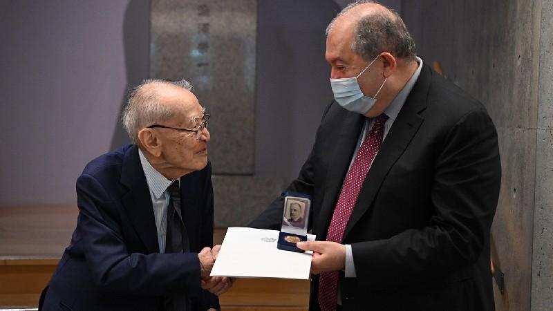 Նախագահ Սարգսյանն այցելել է հայ ժողովրդի բարեկամ Շիբուսավա Էիչի հուշահամալիր-հիմնադրամ (տեսանյութ)