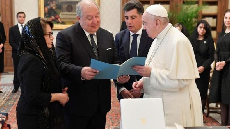 Հռոմի պապն ընդունել է Հայաստանի նախագահ Արմեն Սարգսյանին
