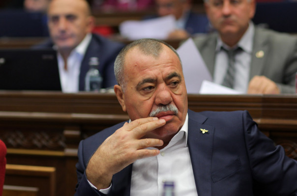 Մանվել Գրիգորյանին գրավի դիմաց ազատ արձակելու միջնորդության քննության դատական նիստը հետաձգվեց. Արսեն Մկրտչյան
