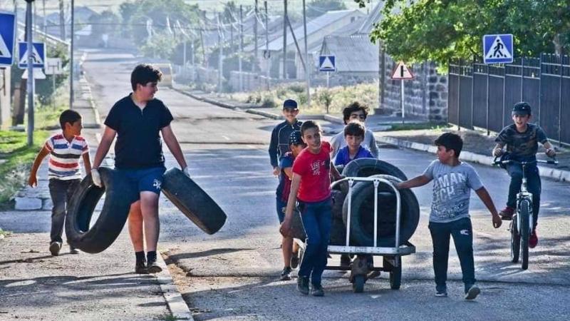 Դդմաշենցի երեխաների հավաքած անվադողերը հասել են Ճամբարակ