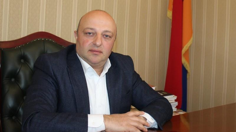 Սիսիանի նախկին քաղաքապետ Արթուր Սարգսյանի վերաբերյալ քրեական գործը դատարանում է. մեղադրանք է առաջադրվել նաև նրա եղբորը