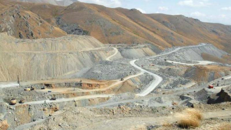 Սոթքի հանքի աշխատակիցները փակել են հանքավայր տանող ճանապարհը