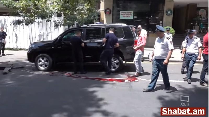 Կրակոցներ Աբովյան փողոցում. տղամարդ է սպանվել (ուղիղ միացում)