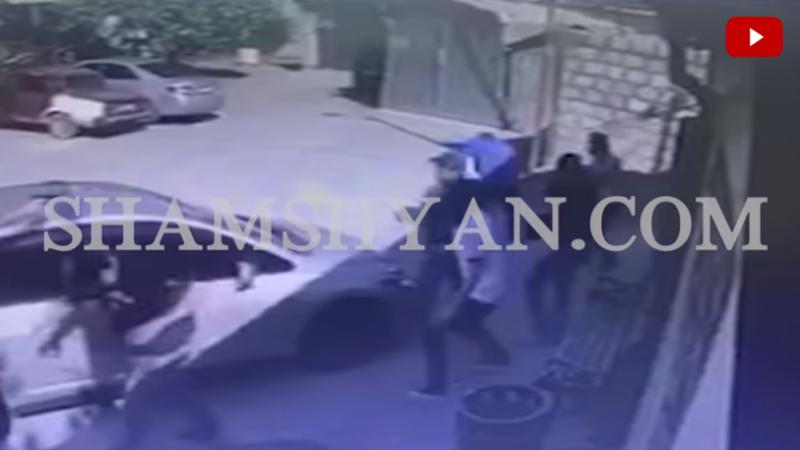 Տեսախցիկն արձանագրել է Շենգավիթ վարչական շրջանում հայտնի 28-ամյա «Կյաժ Աշոտի» վրա կրակոցներ արձակելու պահը (տեսանյութ)